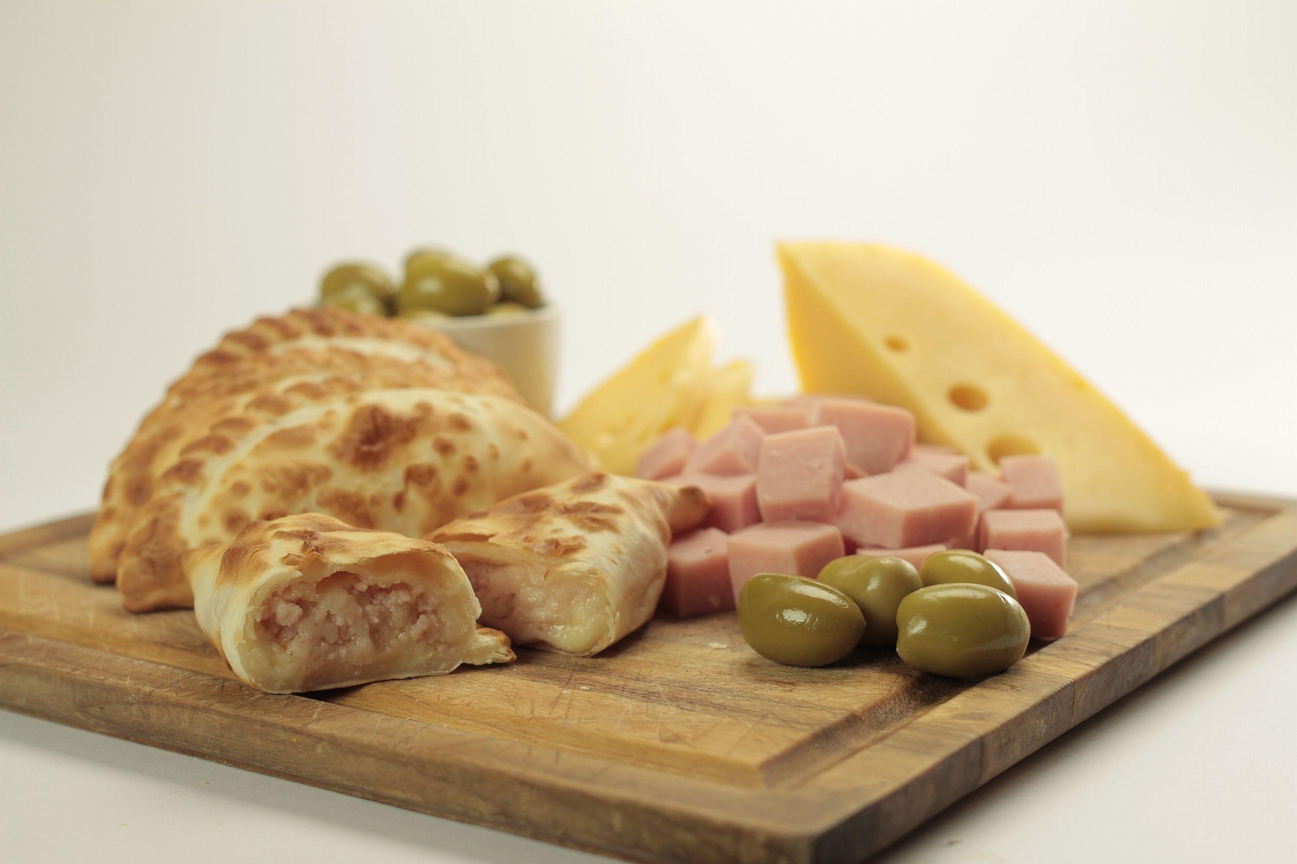 Empanadas de jamón queso y aceitunas de Cumen Cumen